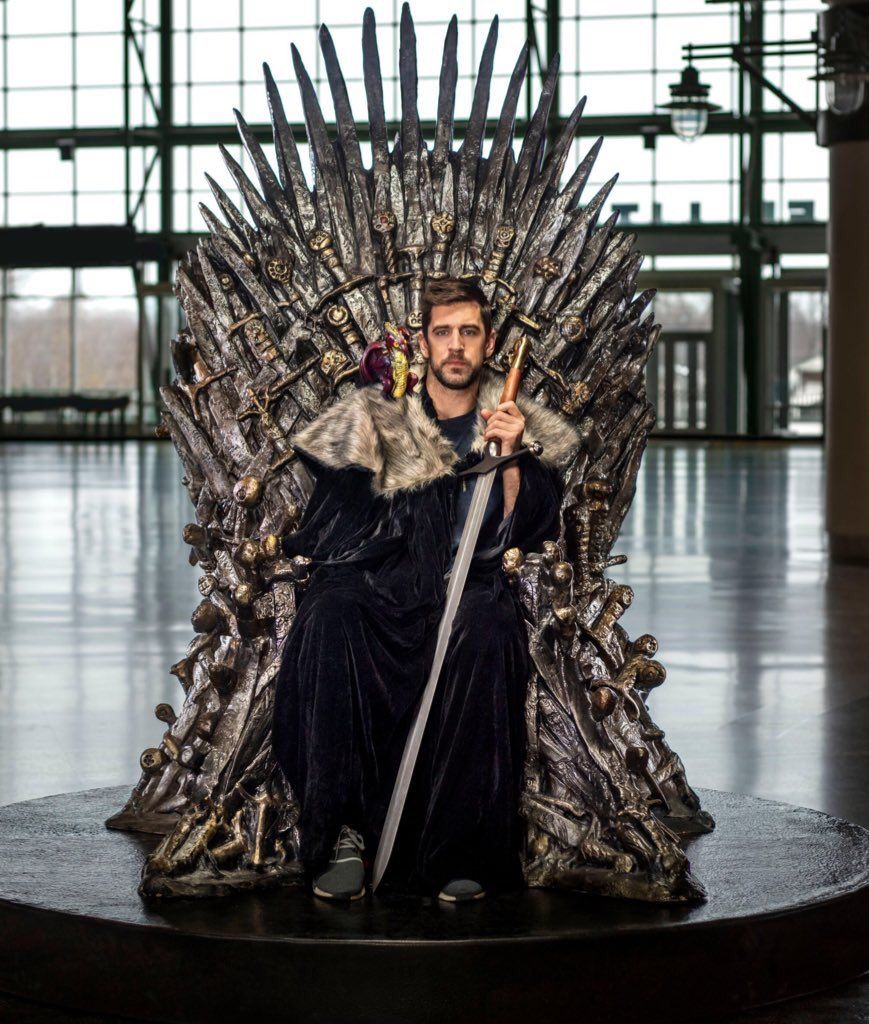 Aaron Rodgers Might Be Able To Save This Season Of Game Of Thrones With His Cameo Total Packers Aaron Rodgers King In The North Aaron Rogers