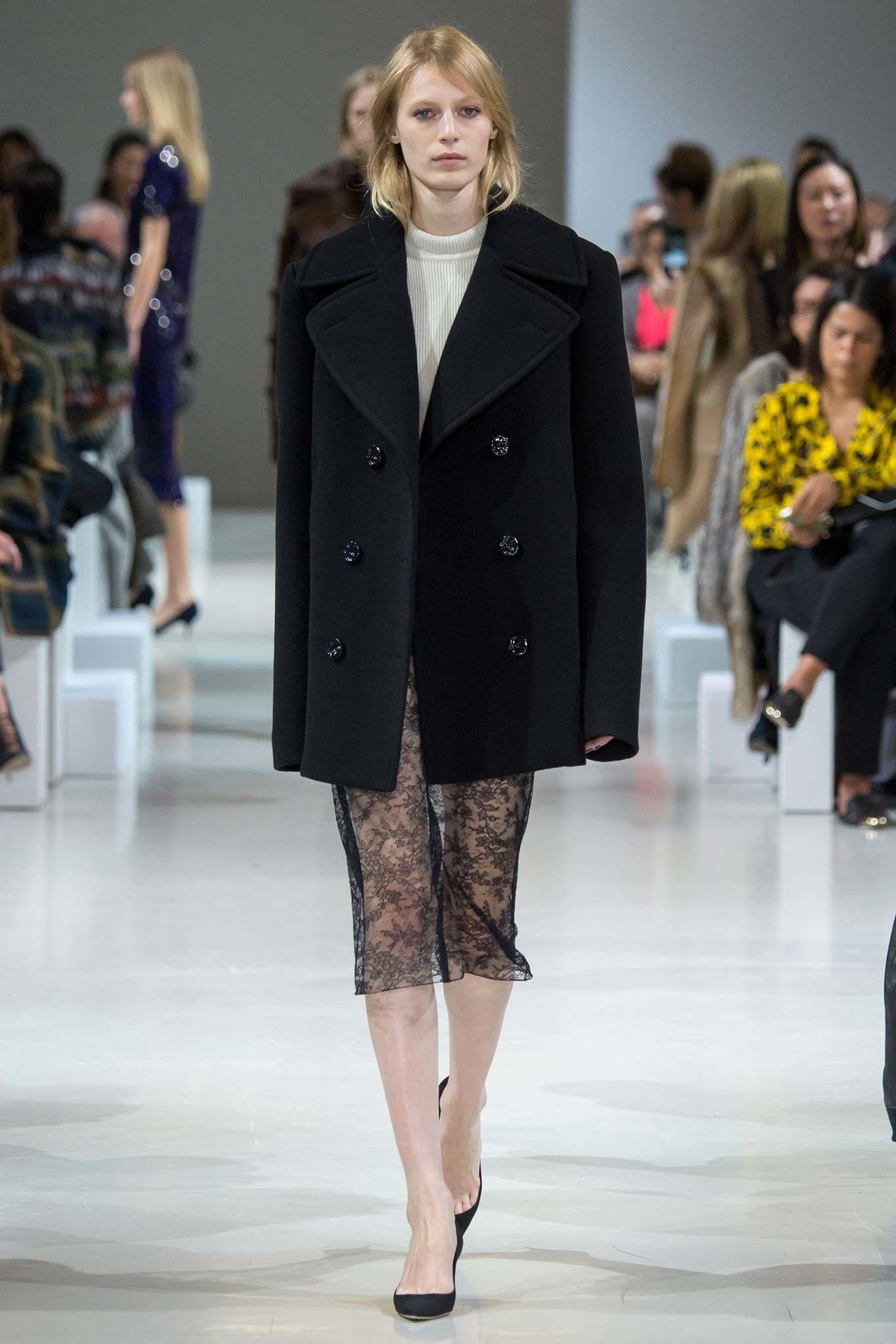 Nina Ricci Fall 2015 Ready-to-Wear Fashion Show - Julia Nobis (Viva)