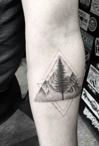 pingl par mathieu naquin sur boss tatouage tatouage maori et tatouage montagne. Black Bedroom Furniture Sets. Home Design Ideas