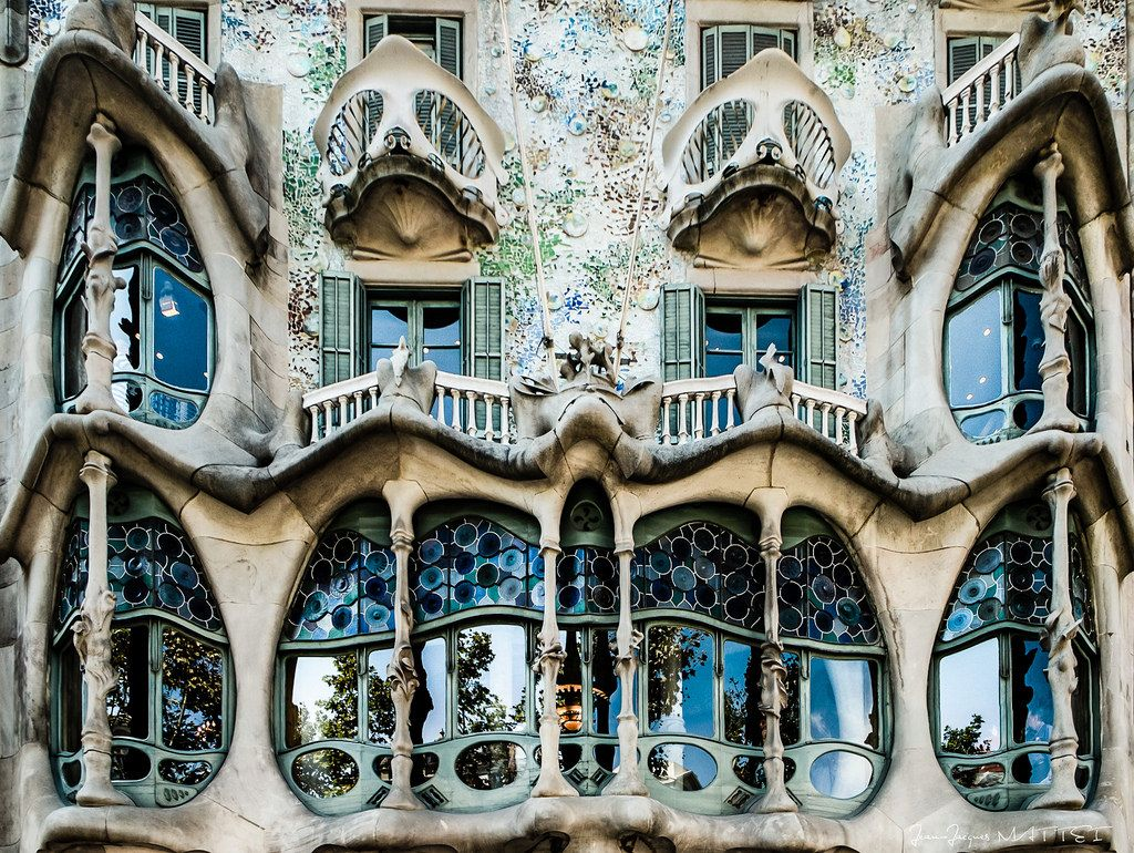 antoni gaudi casa batllo - Google Search | Historic ...