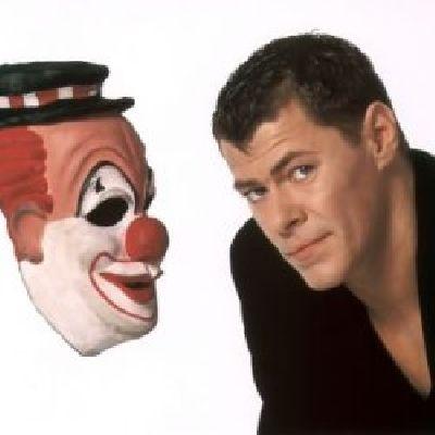 regarder le clown saison 1 vf en streaming gratuit sur le clown saison 1 vf dpfilm. Black Bedroom Furniture Sets. Home Design Ideas