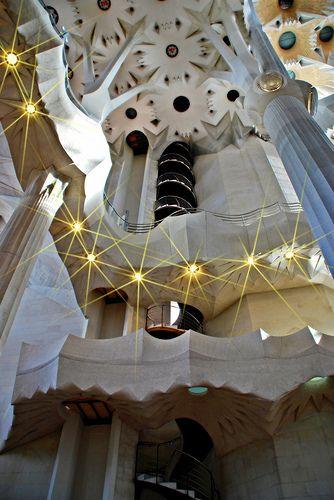 Sagrada Familia Escalera de Caracol | Pinterest | Escalera de ...
