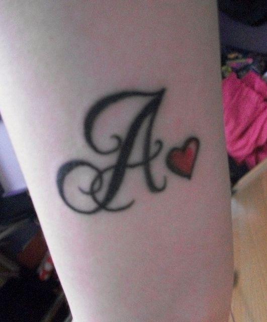 Tatuajes Con La Letra L Para Mujer Buscar Con Google Imagenes
