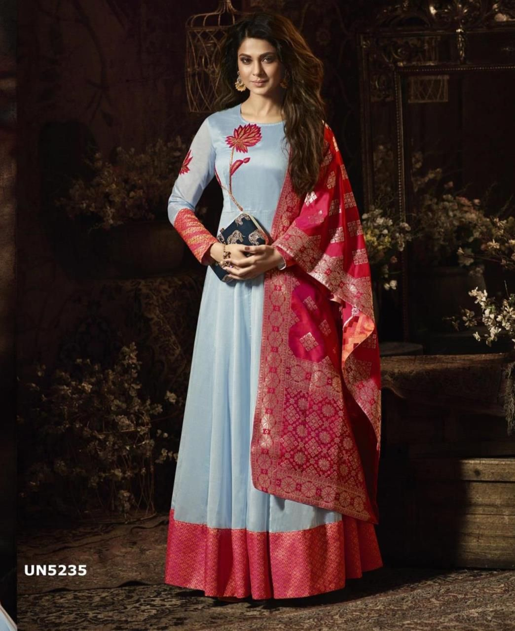 edcc1e879a Pin by Aarifah Begum on dress | Heavy dresses, Silk anarkali suits ...