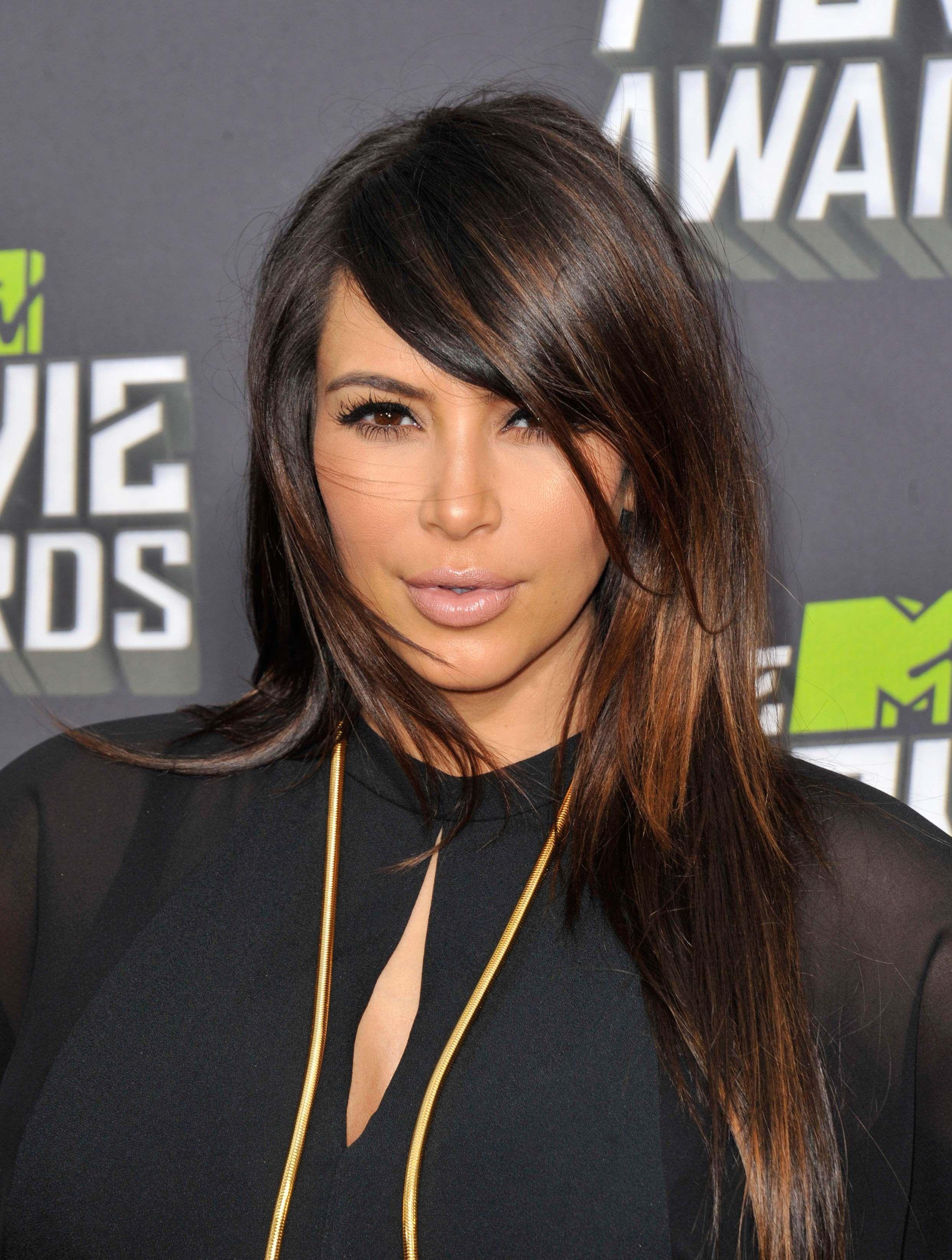 Kim Kardashian Love The Hair Color Long Hair Styles Hair Styles Side Part Hairstyles
