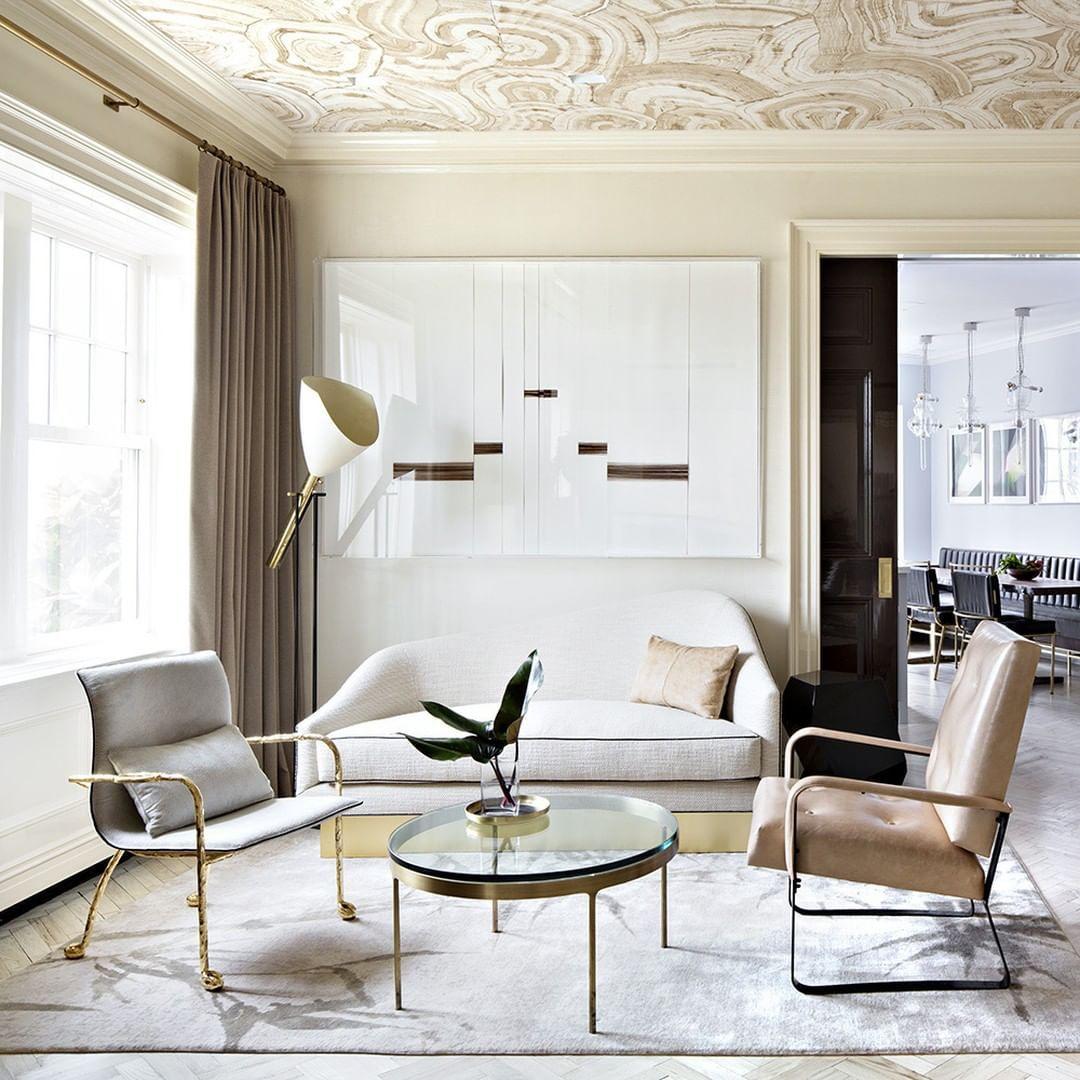 Provenance De La Photo Instagram Ideat Magazine Design Paris Gallery Decorativearts Notre Site Web Www Antiquesmc F En 2020 Deco Idees Pour La Maison Design