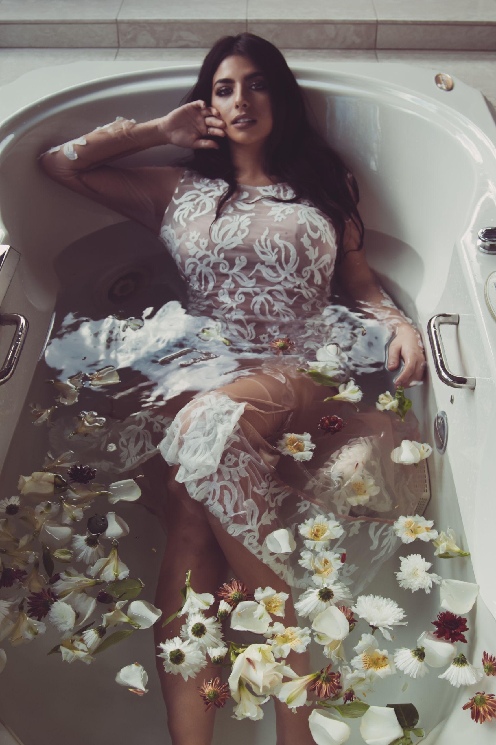 Bathtub Photoshoot Ideas Milk Bath