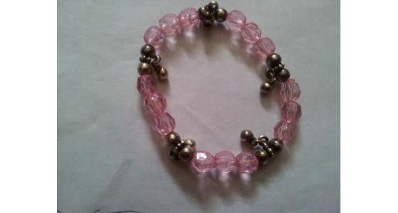 $4 for pretty pink stretch bracelet! http://copious.com/listings/pink-stretch-bracelet