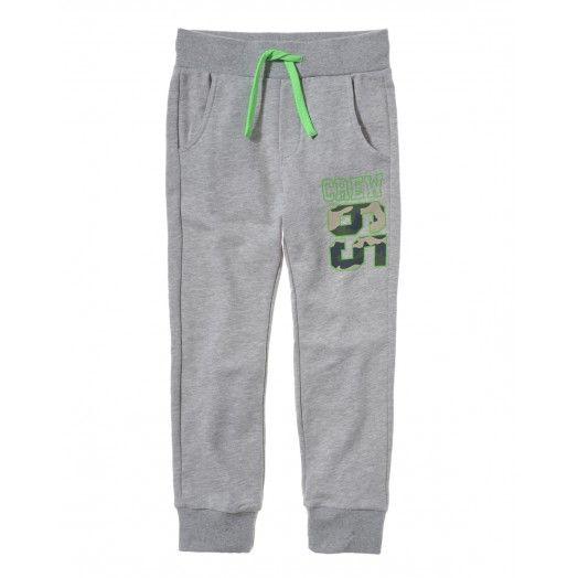 Pantalone in felpa, di cotone 2 tasche con patch stampati sotto la tasca destra, coulisse in vita. Vestibilità morbida.3JD4I0044 GREY