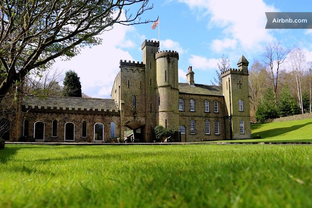 Luxury 5 Bed UK Castle with pool in Halifax | Places | Game