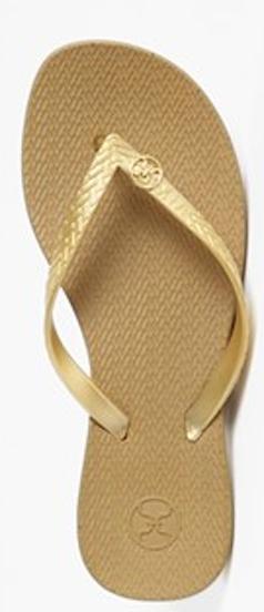VIX Swimwear #gold flip flops http://rstyle.me/n/gc79vr9te