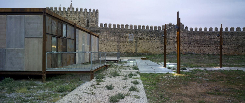 Galeria - Recuperação do Castelo de Cumbres Mayores / Republica DM - 12