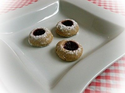 Husarenkrapferl  25 g flour  7 dag confectioner's sugar  1 vanilla sugar  20 g butter  10 dag ground nuts