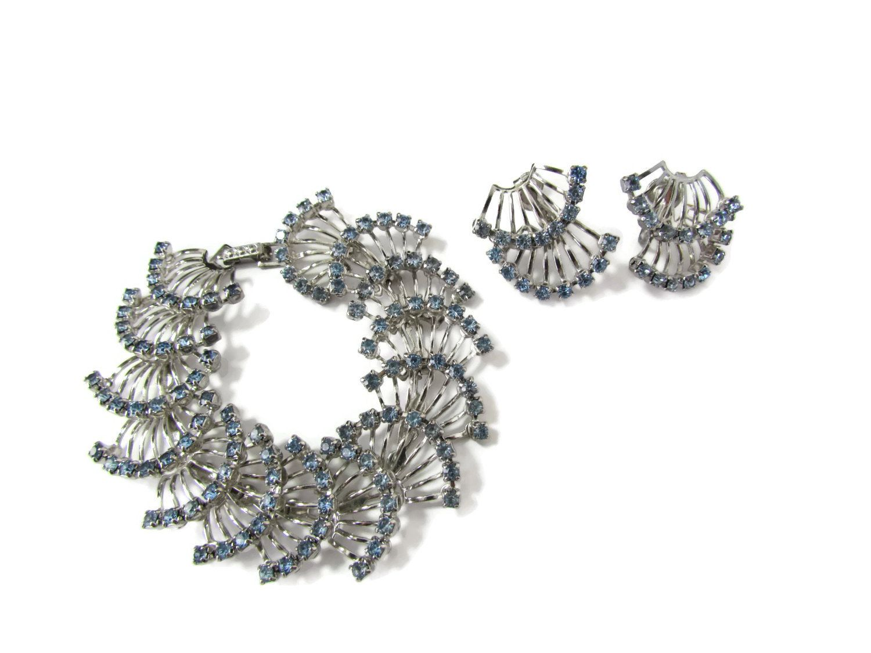 Something Blue Wedding 1950s Jewelry Vintage Blue Rhinestone Earrings Blue Screw Back Earrings Something Blue Jewelry Fancy Earrings
