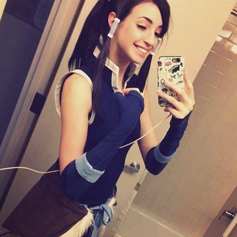 Gibi Korra cosplay | Mirror selfie, Selfie, Cosplay
