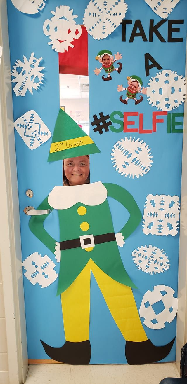 Christmas Door Decorations - Lucky Little Learners #christmasdoordecorationsforschool