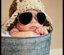 Has some very cute baby picture ideas!