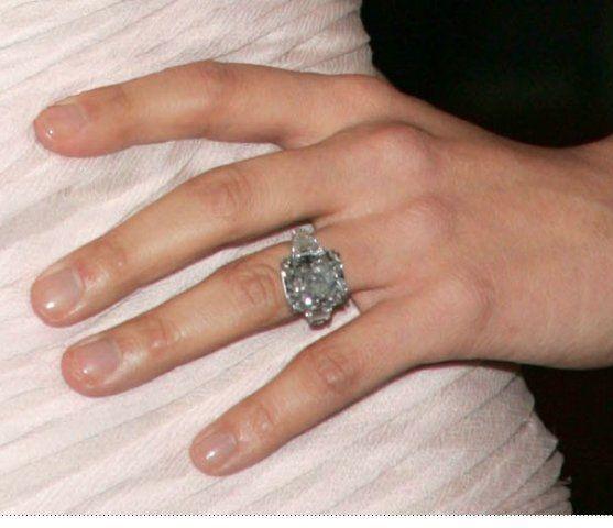Jennifer Lopez Blue Diamond | CELEBRITIES ENGAGEMENT RINGS ...