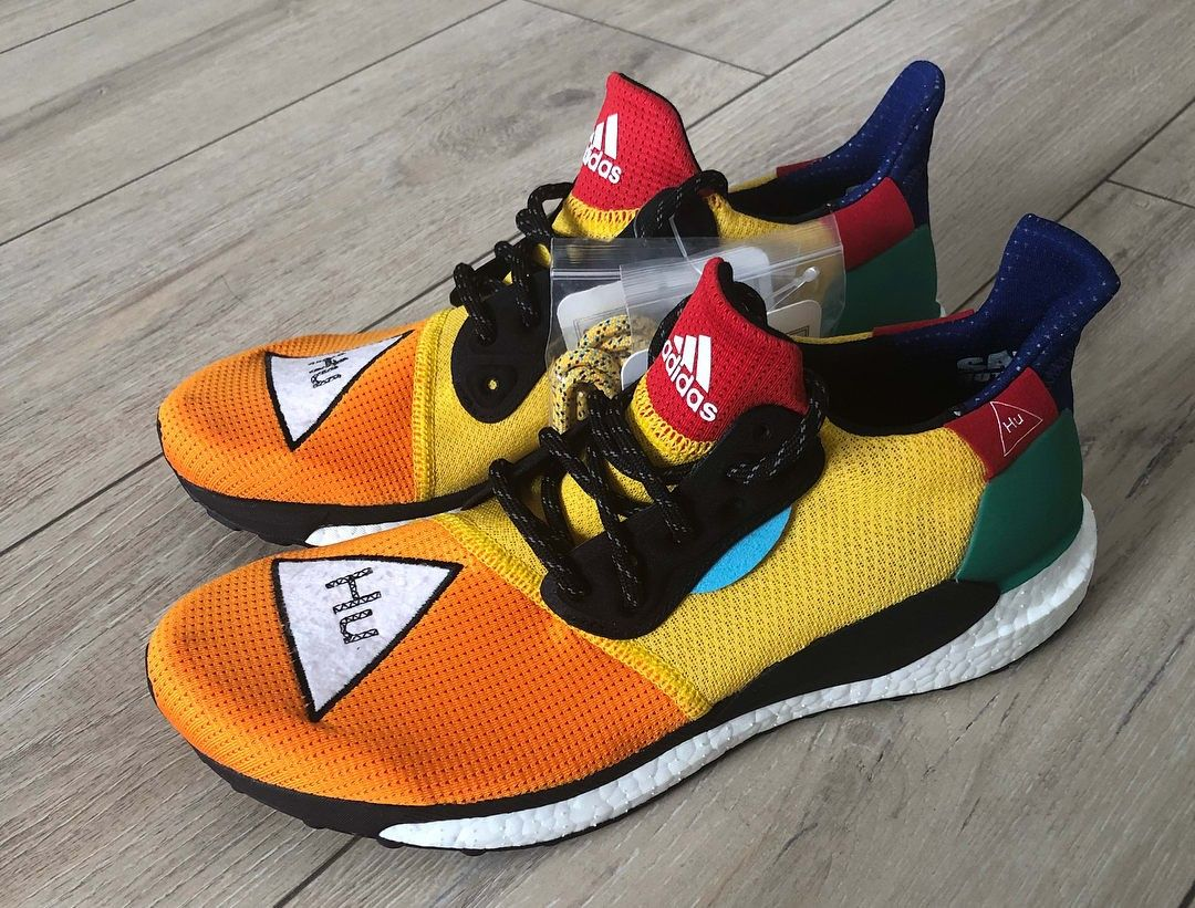 Chaussure Pharrell Williams X Adidas Solar Hu from Adidas on 21 Buttons