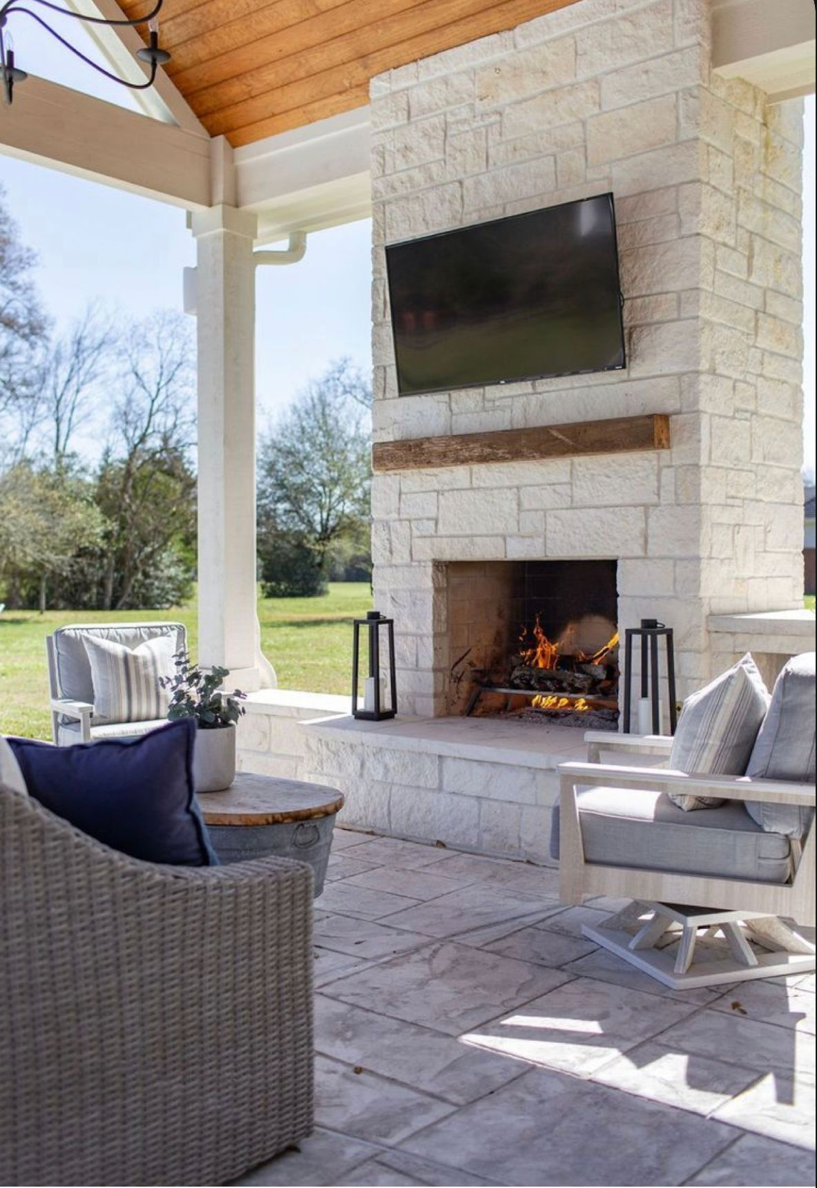7 High End House Building Ideas For Your New Build In 2020 Patio Style Outdoor Decor Backyard Outdoor Living Rooms