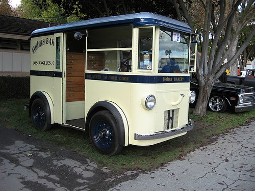 Helms Bakery Delivery Truck by The Brain Toad