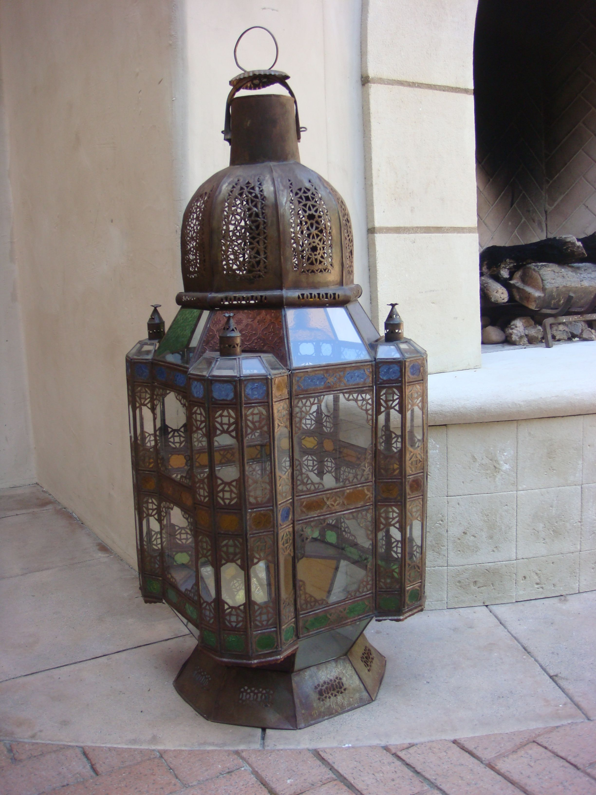 http://www.e-mosaik.com/ Moroccan party lanterns for rent