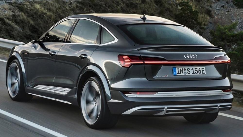 أودي إي ترون أس سبورتباك 2021 الجديدة تماما سيارة الدفع الرباعي الكهربائية من فئة الكوبية الرياضية In 2020 Audi E Tron Audi Suv