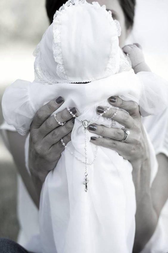 ¿Qué esperar de la Madrina de nuestros Hijos? - Hola Mamás,Independientemente de nuestra religión, elegir a la madrina de nuestros hijos es algo súper importante en la vida de una familia. Es decidir por anticipado quienes quedarían a cargo d ...