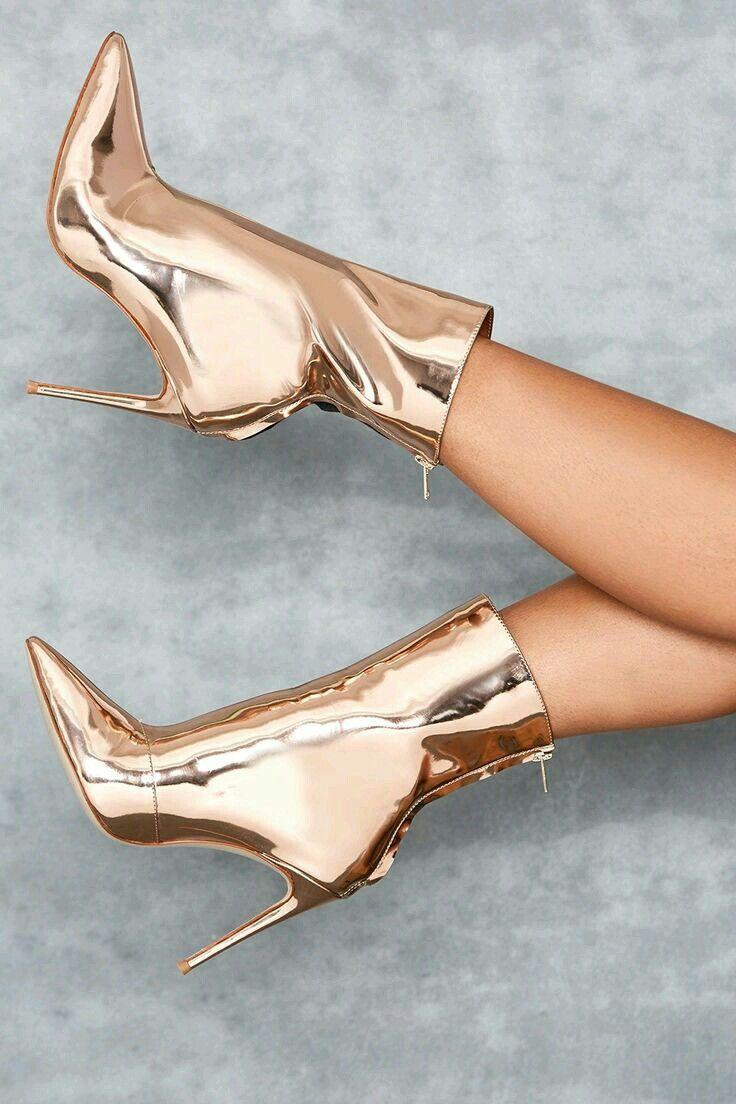 Pin de Woytek en Heels | Zapatos de tacones, Tacones