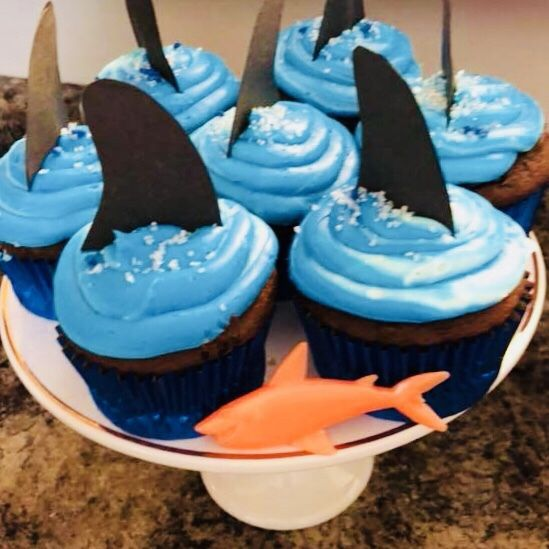 Shark Week Kids Party – Homemade Mama #sharkweek #cupcakes #toppers #decoration #banner #games #hats #hammerhead #greatwhite #punch #food #treats #party #diy #easy #simple #links #ideas #fins #blue