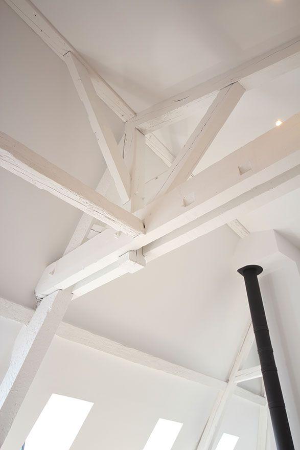 poutres peintes en blanc loft s pinterest mezzanine salons and lofts. Black Bedroom Furniture Sets. Home Design Ideas