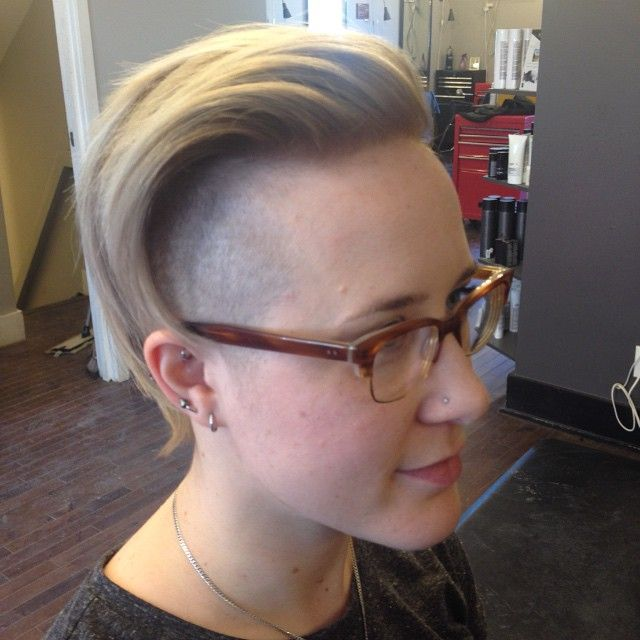 Badass Blonde Hair by Jasmine #winnipeghair #blondehair #shavedhair #osbornevillage #winnipegsalon #behindthechair #hivehairco #bernsteins #coolchef
