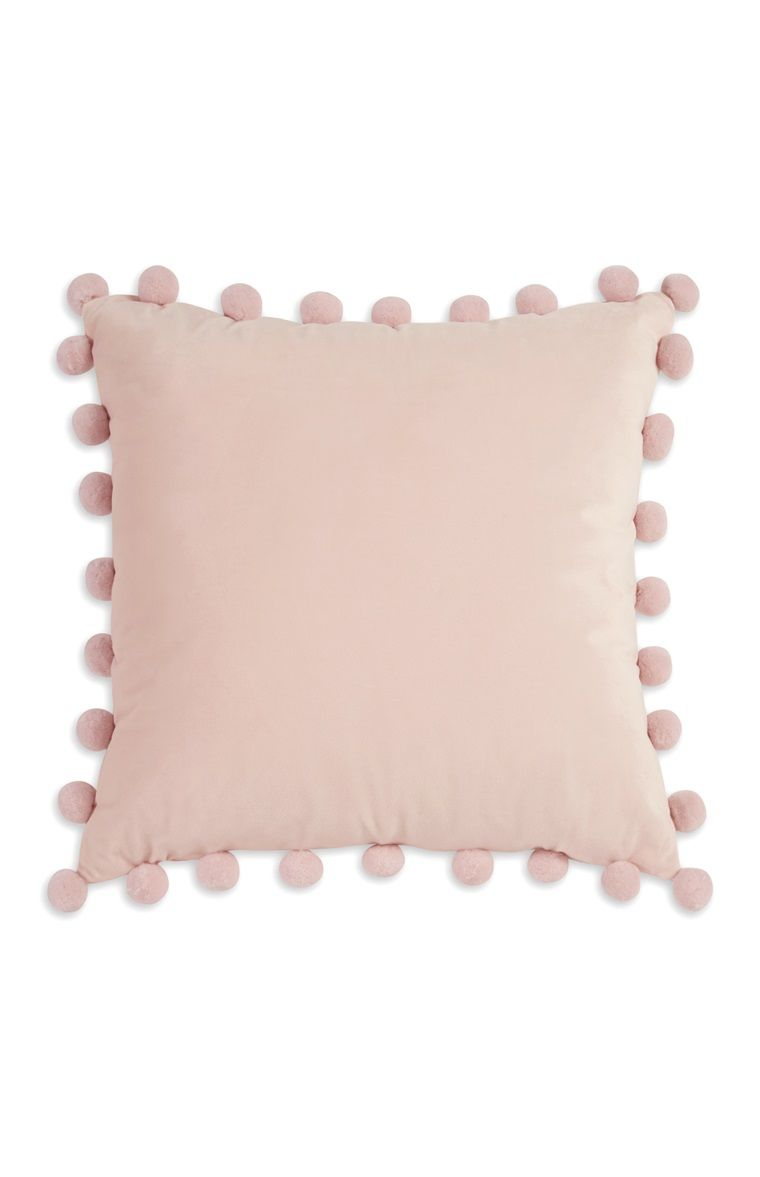Gabriella Pink Pompom Cushion   Decoração de quarto, Decoração de ...