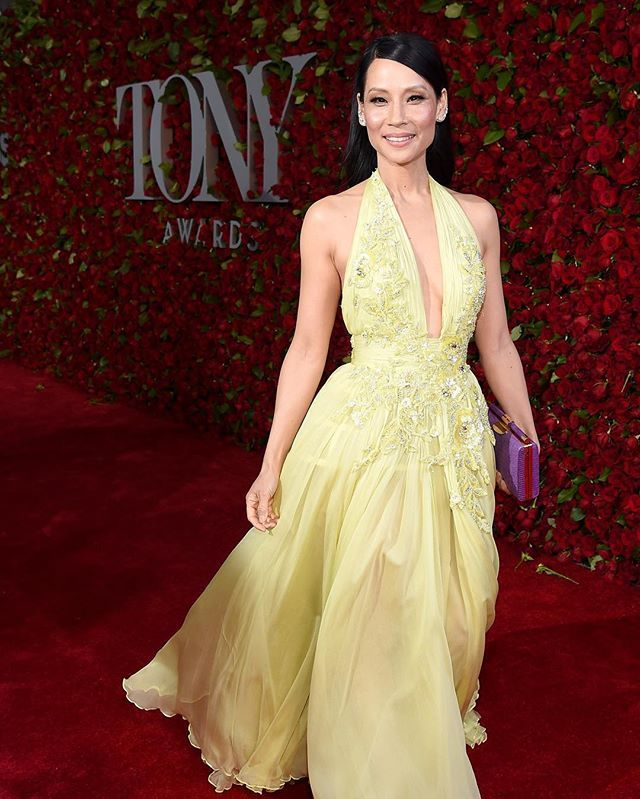 Huge thanks to the exceptionally talented designers who dressed me for the Tony Awards.! ❤️ @zuhairmuradofficial @charlotte_olympia  @tyleralexandraofficial @lorraineschwartz  @_leeharris_