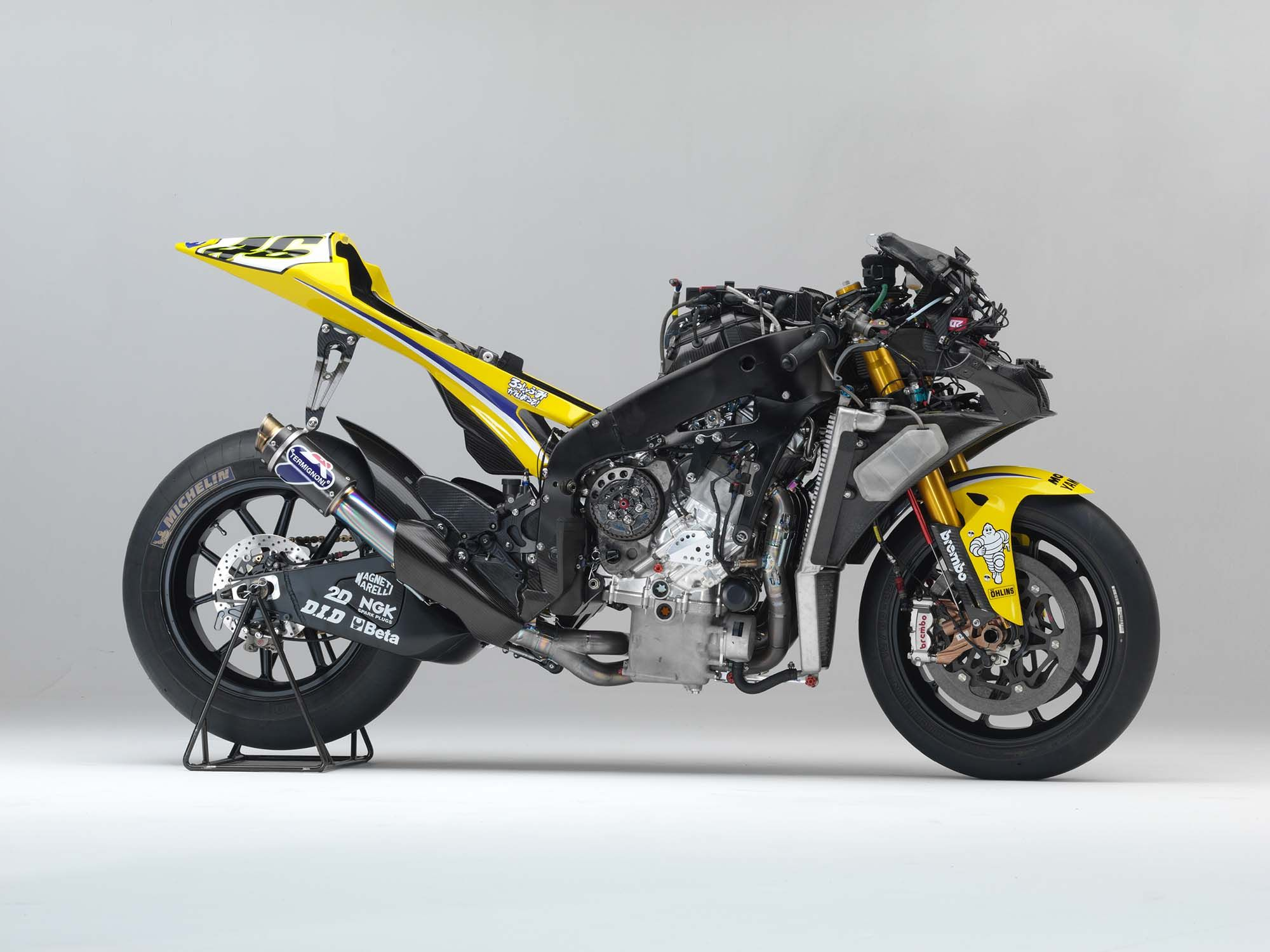 Valentino-rossi-2006-yamaha-yzr-m1-right side naked detail