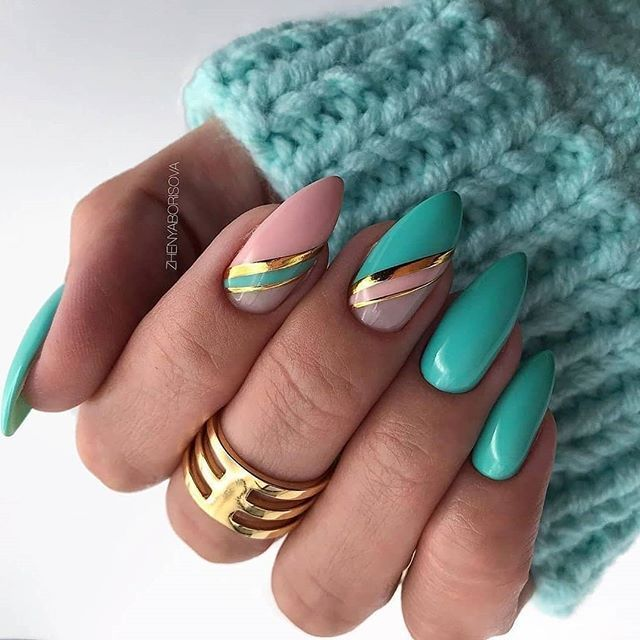 This article collects the most popular almond nails in the near future, including different patterns, colors, and fresh ideas from manicurists. In this article, you can find the nails that suit your own clothing, and dress up to make you elegant and beautiful. What are you waiting for? #bluenails - E2k Fashion