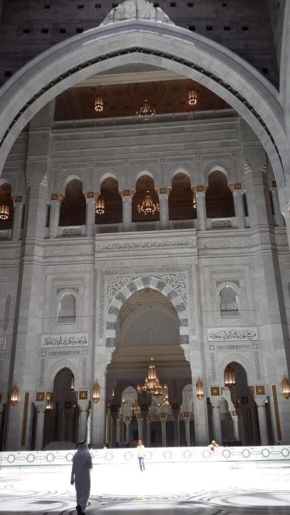 عملية توسعة الملك عبدالله للجوانب الخارجي للحرم المكي Mecca Masjid Beautiful Mosques Barcelona Cathedral