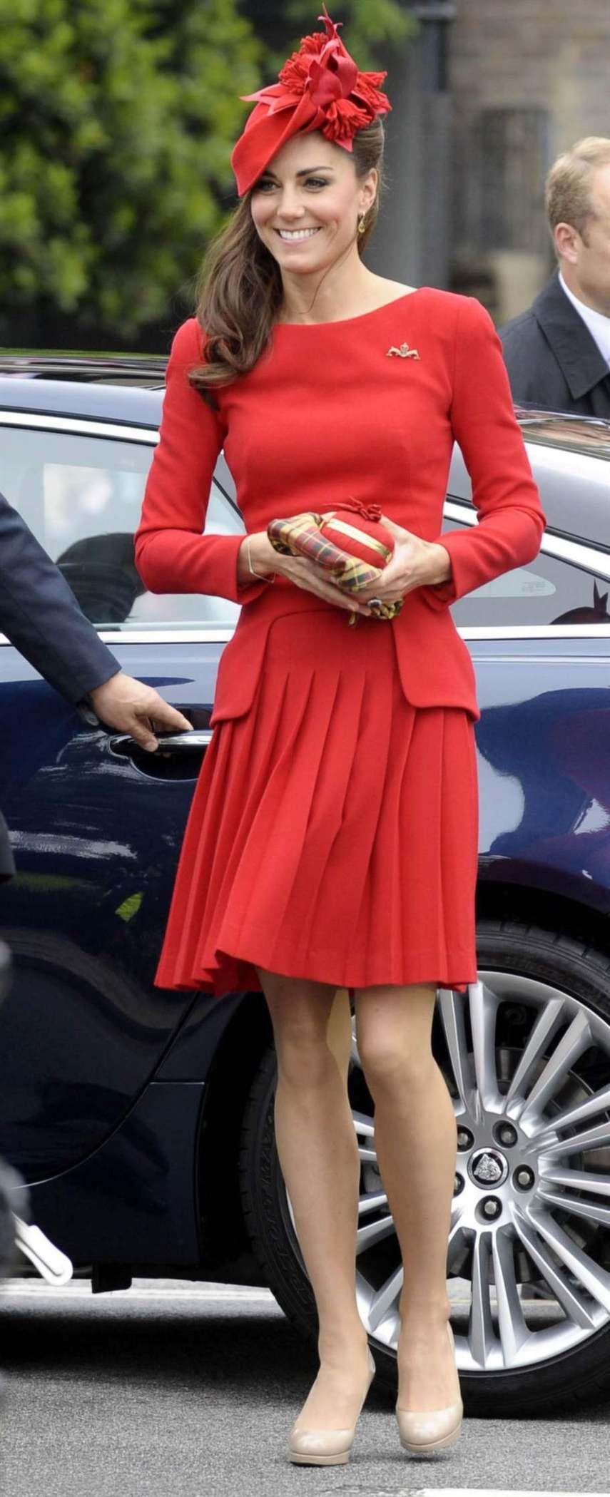Kate middleton bär sin favorit mcqueen mode modenyheter