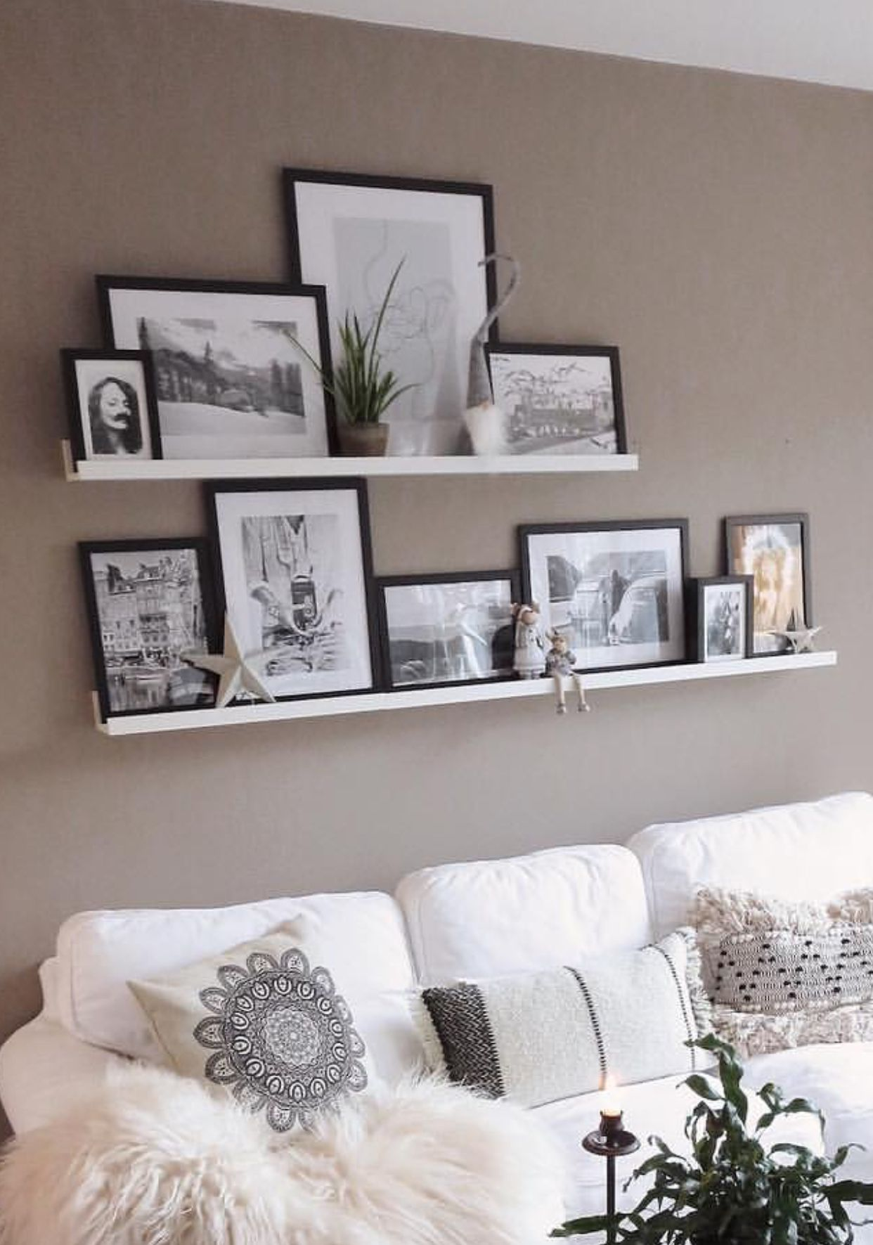 Absolutely Love These White Floating Shelves For Pictures Shelf Decor Living Room Wall Decor Living Room Floating Shelves Living Room
