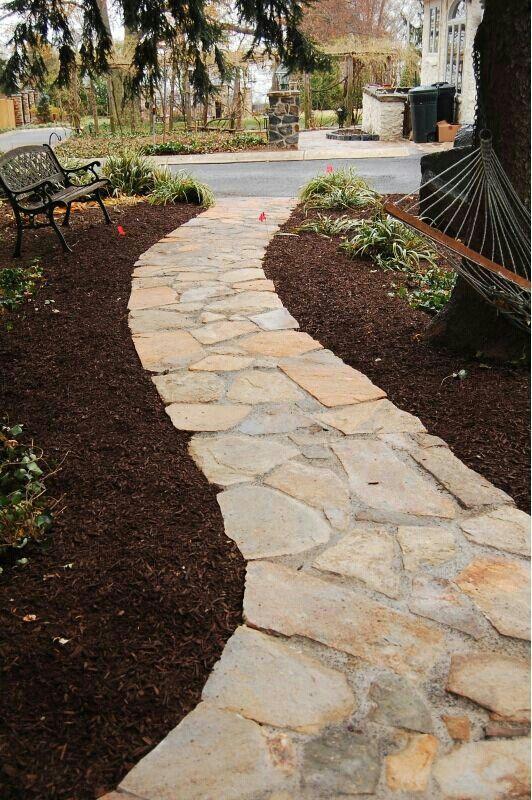 Camminamento giardino in pietra di trani pavimentazione stone walkway patio design e garden - Camminamento pietra giardino ...