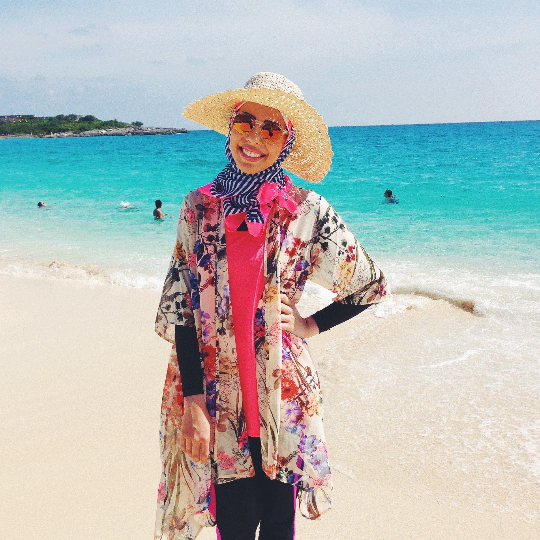 Beach Hijab Outfits–34 Modest Beach Dresses for Muslim Girls