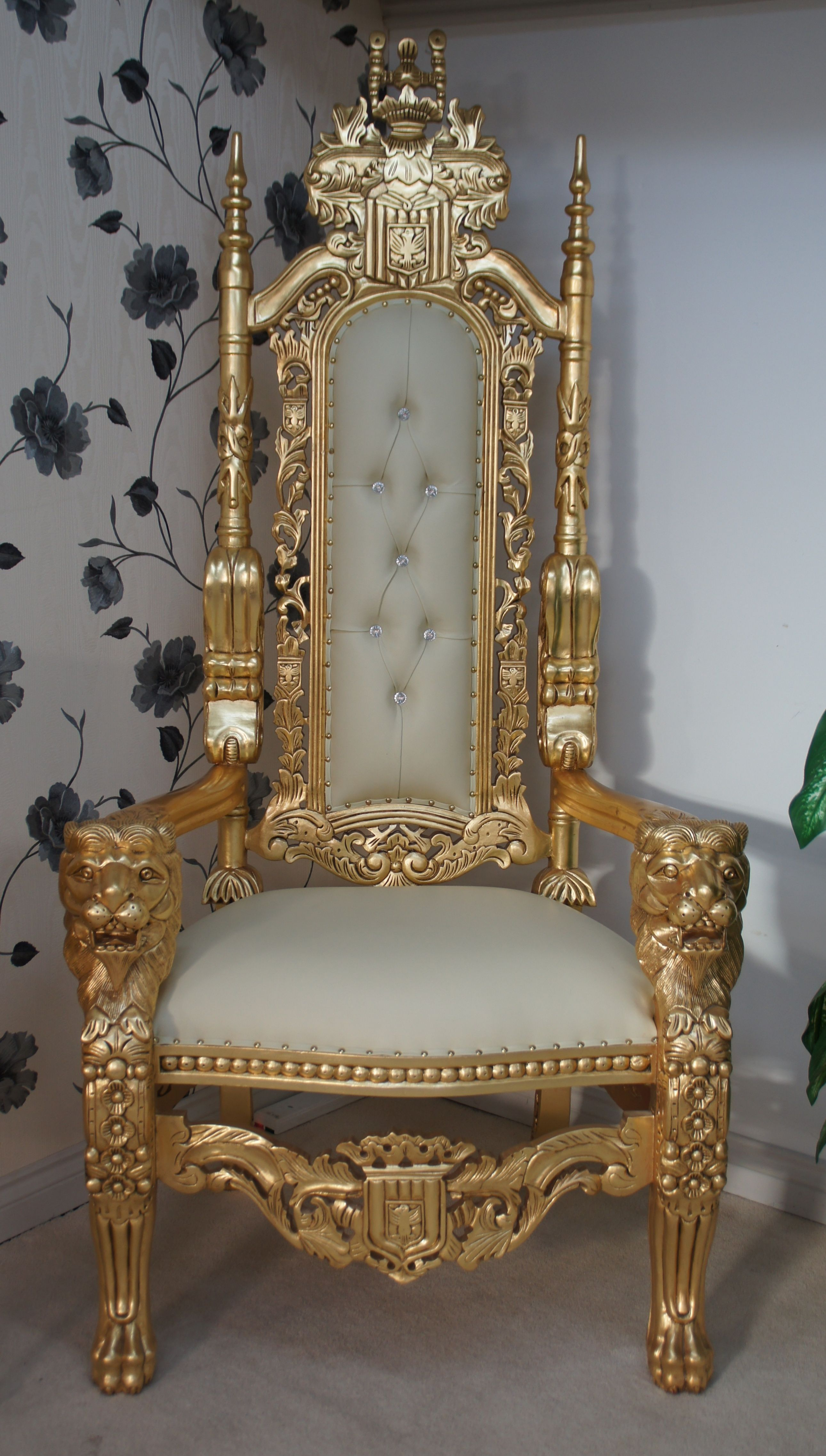 Lion Throne Chair In Gold Leaf Cream Easiclean Faux Leather CRYSTAL Buttons.1  (2581×4549)