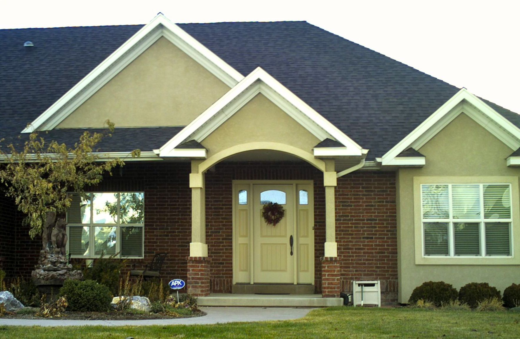Stucco home color scheme bing images houses and homes - Painting a stucco house exterior ...