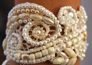 bracelete de renda bordado