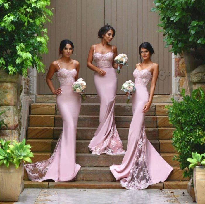 3e75c975cfe Chicas vestidas como damas de honor en color rosa palo Vestidos Con Mangas  Para Damas De