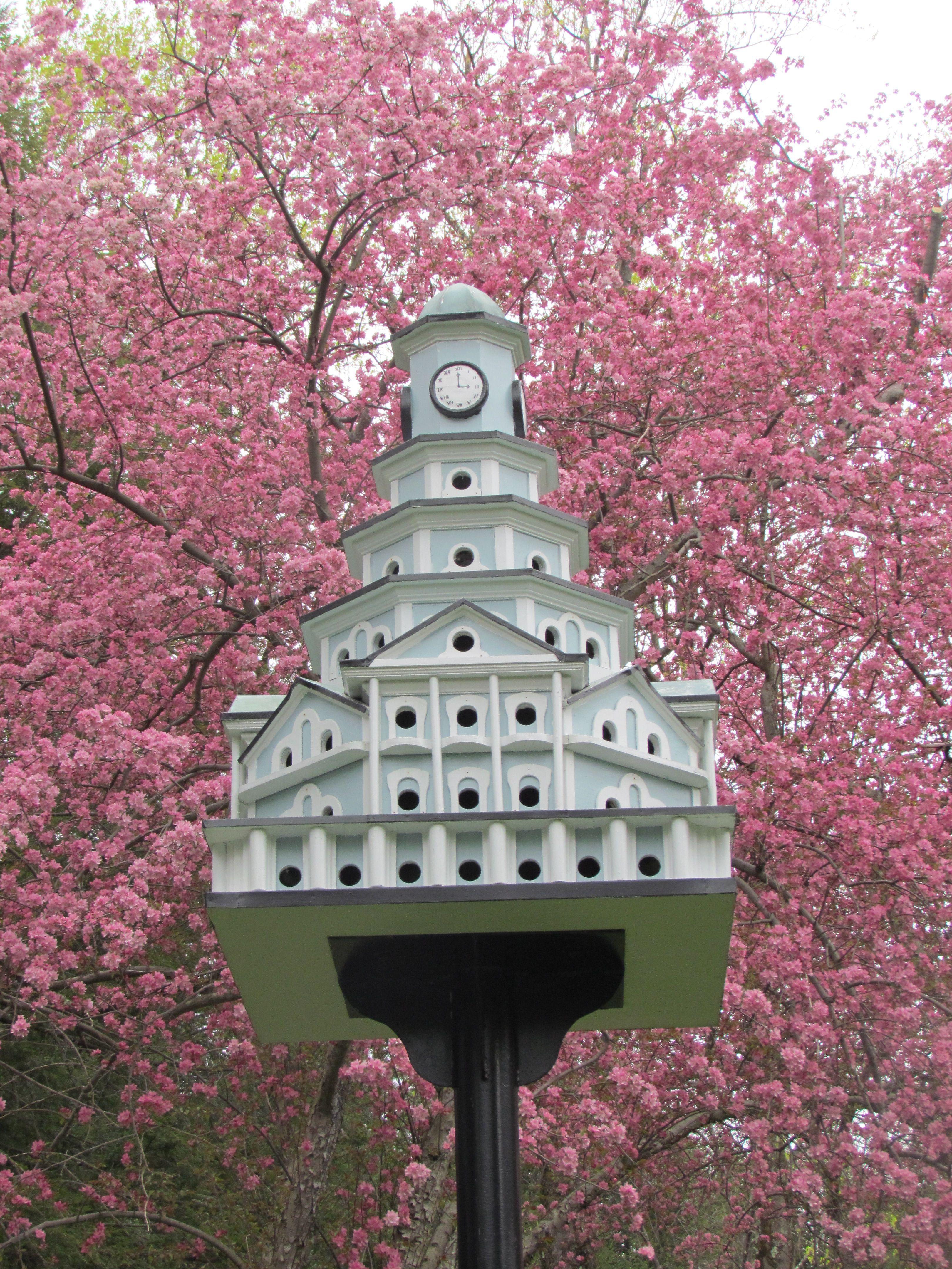 Kentuck Knob/Hagan House / 723 Kentuck Road, Chalk Hill, PA / 1953-56 / Usonian / Frank Lloyd Wright -- Notice the clocks on this birdhouse