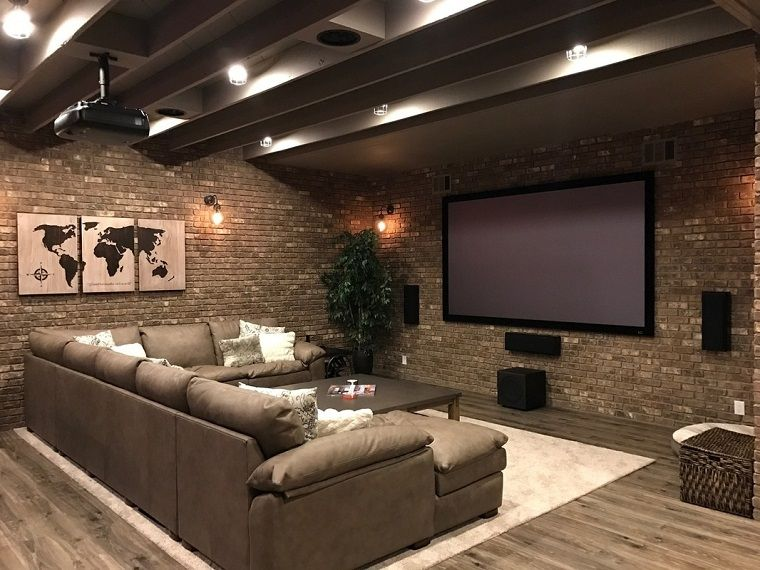 Taverna moderna grande divano nel 2019 bagno for Idee per casa moderna