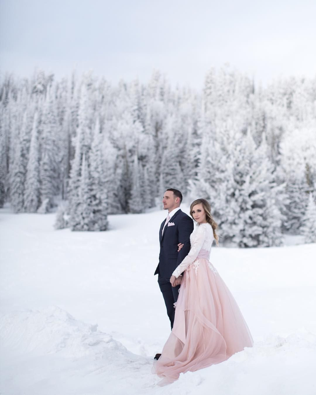 Snow Wedding Ideas: #wedding #couples #winterwedding