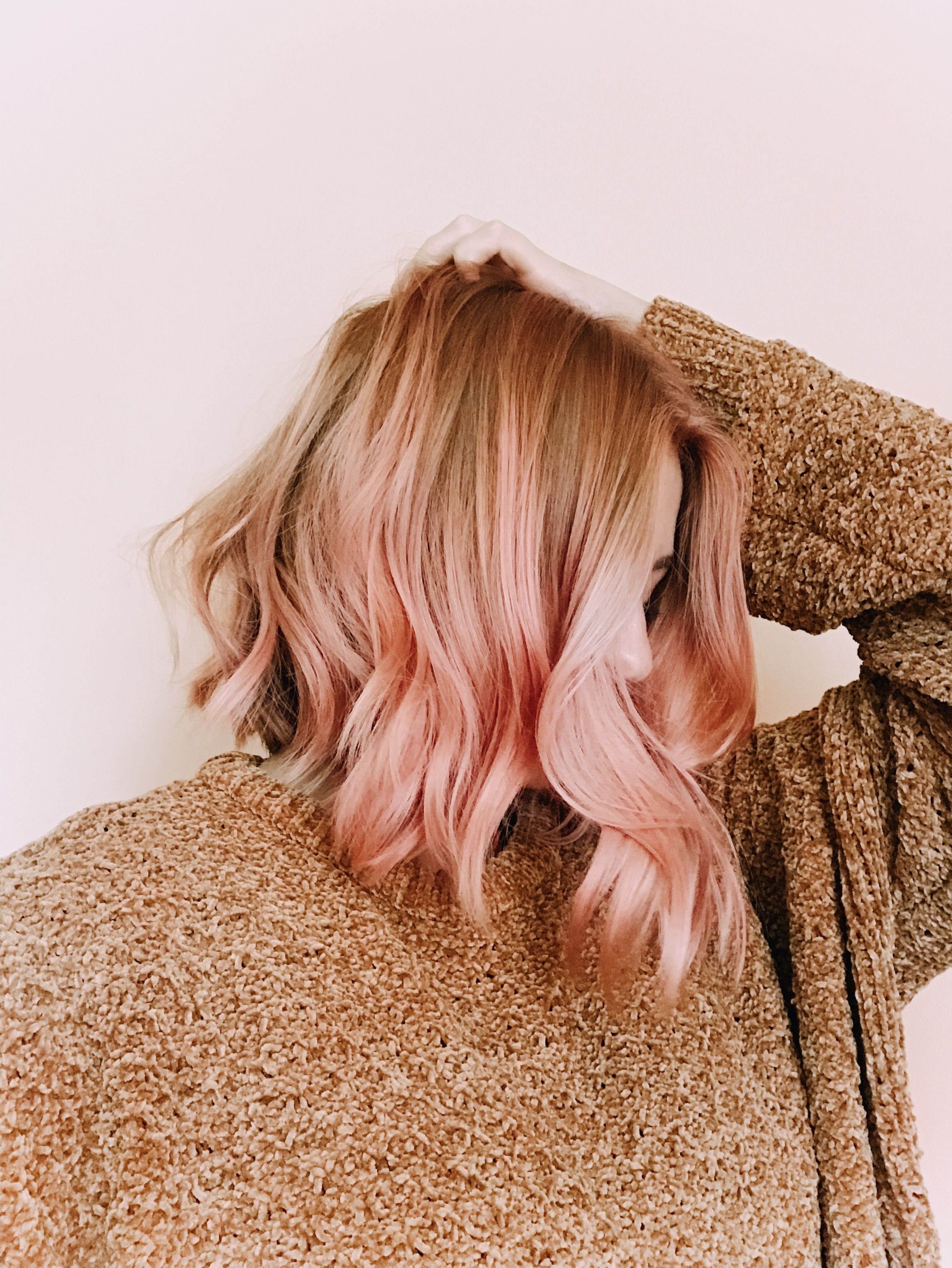 Pinkhair pink rosegold gold rosé strawberry hairstyles