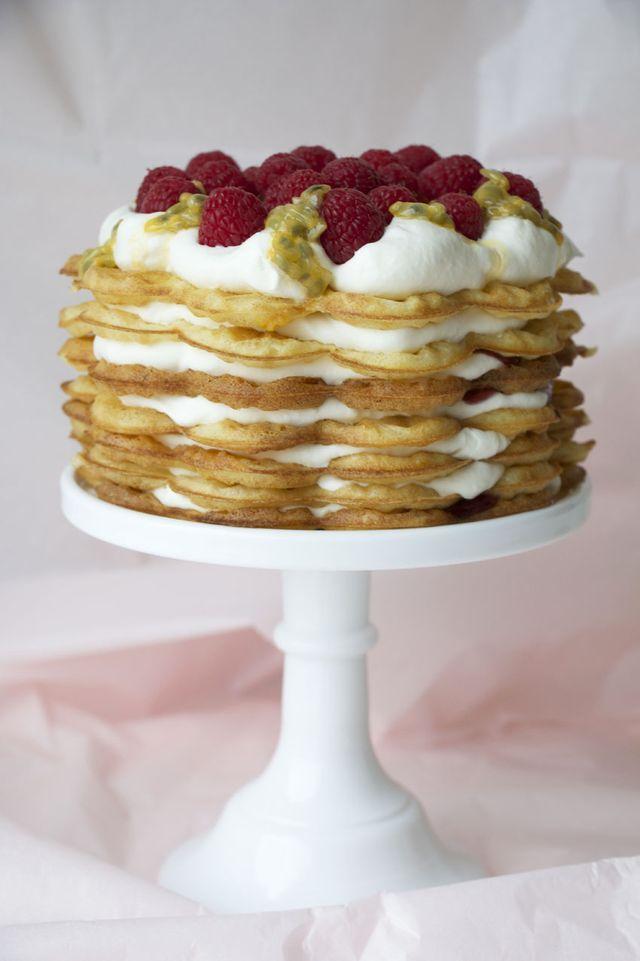 Våffeltårta med frasiga vaniljvåfflor (via Bloglovin.com )